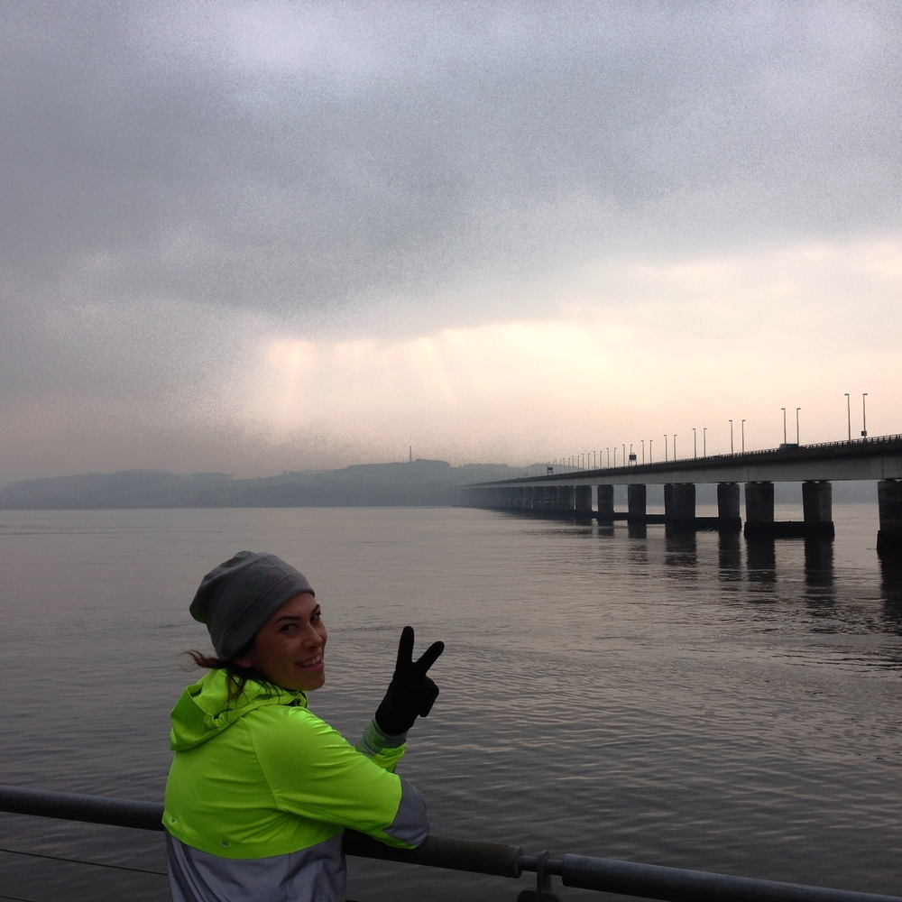 Running on Tay Bridge was superb!  /  Tay Koprusu üzerinde kosmak superdi.