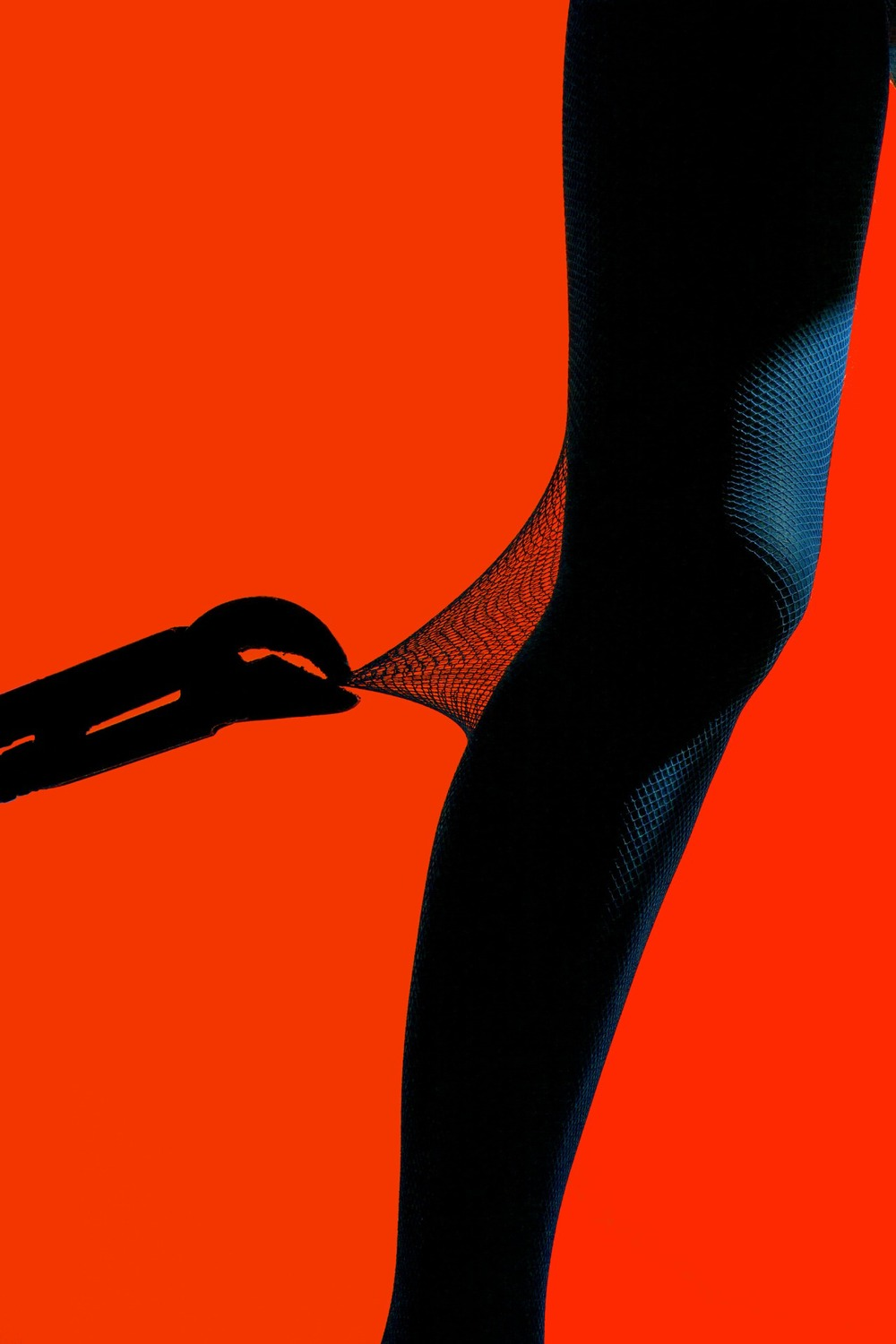 """HOW TO NOT DESTROY YOUR TIGHTS"" FOR    REFINERY29"