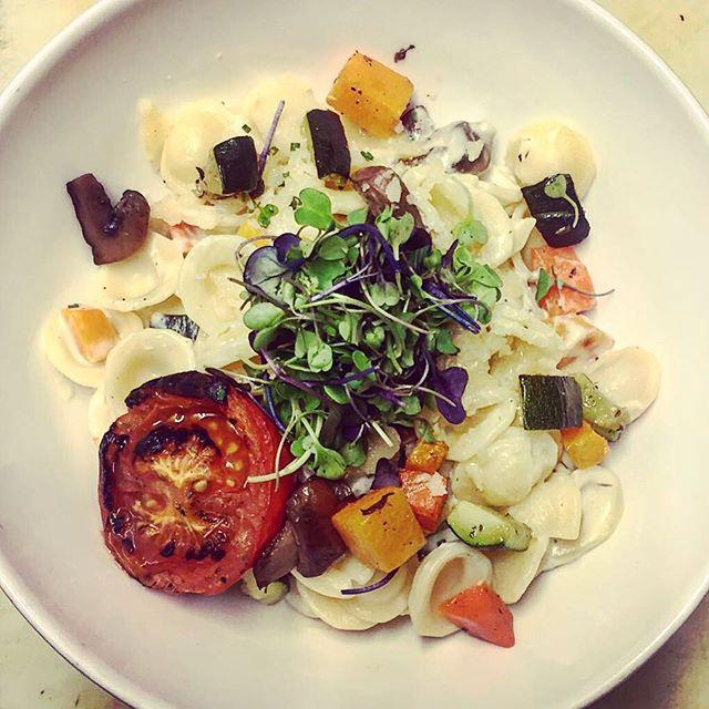 Orechiette con salsa gorgonzola y verduritas 😛 #granjelicious #granjapetitbo #petitbo #healthy #tasty