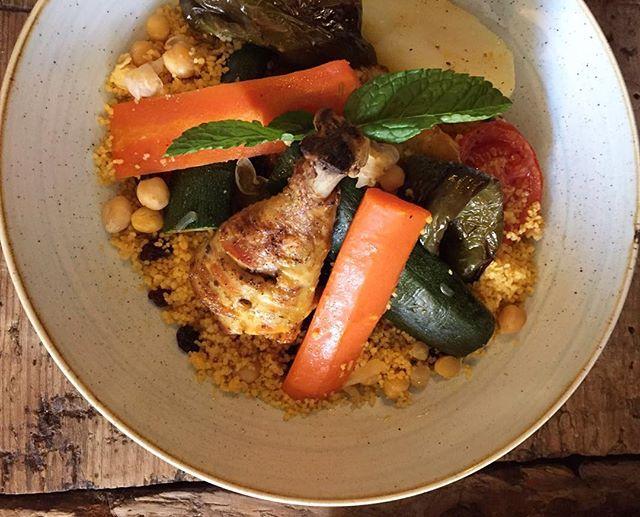 Muslitos de pollo con cous cous y verduras al horno 👳🏽 #granjelicious #granjapetitbo #healthy #couscous #yummi