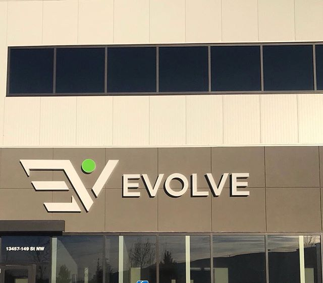 Thrilled to be part of this exciting new fitness and well being facility. More locations to come! #yeg #nationalneonsigns #companysigns #evolvestrength