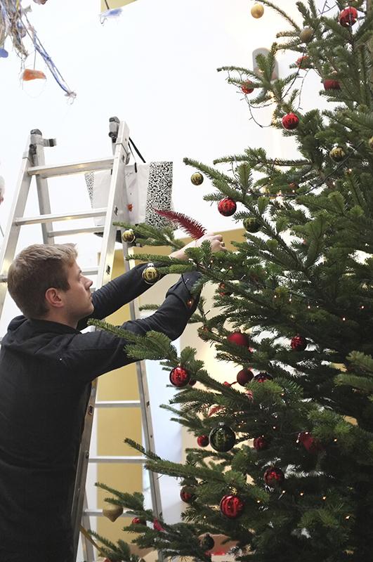 A.P Bloem, Florist. Bloemist, Bloemenwinkel, Kerst, Christmas, Kerstboom, Tree, Decoration, Theodoor Gilissen