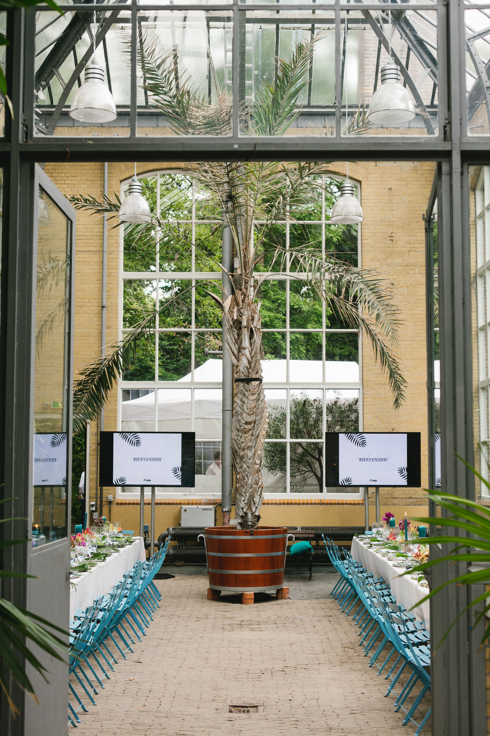 Krem de la krem Lois fashion event A.P Bloem De Hortus Botanicus Flowers Amsterdam bloemist Bloemen evenement table decoration styling decoratie Tree Boom Palm