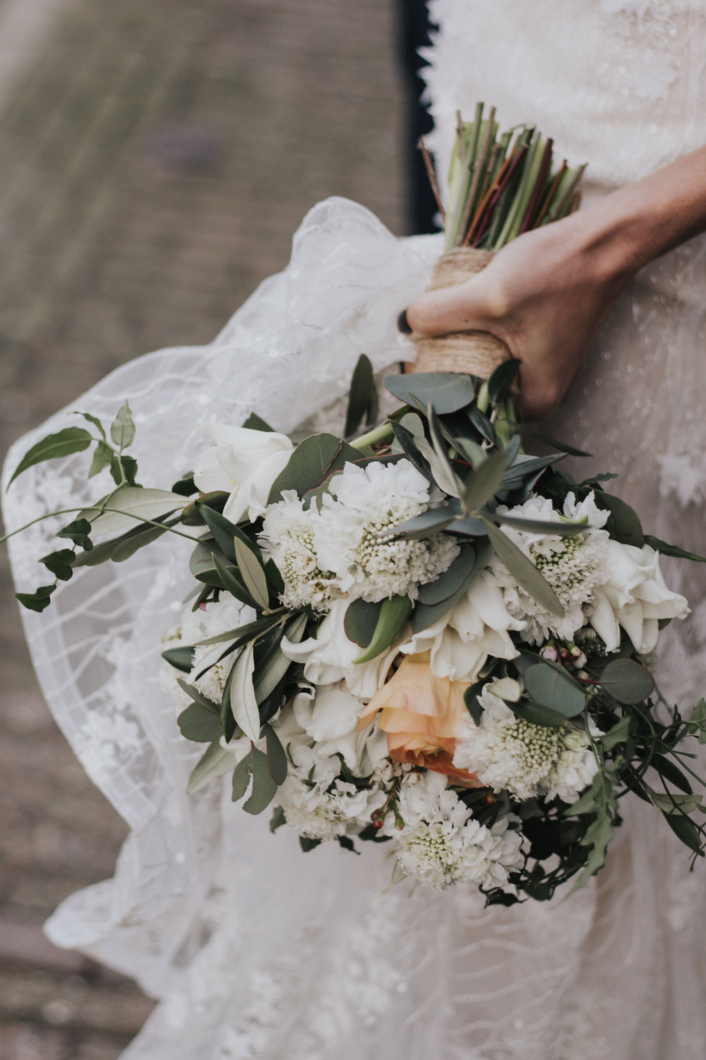 A.P Bloem florist bloemist Amsterdam flowers sprookjesachtige bloemen wedding bruiloft trouwen marriage Kerkstraat Andaz Hotel wildflowers Alice in Wonderland botanical trouwtrends bruiloft trends wedding goals trouwinspiratie trouwen photoshoot fairytale