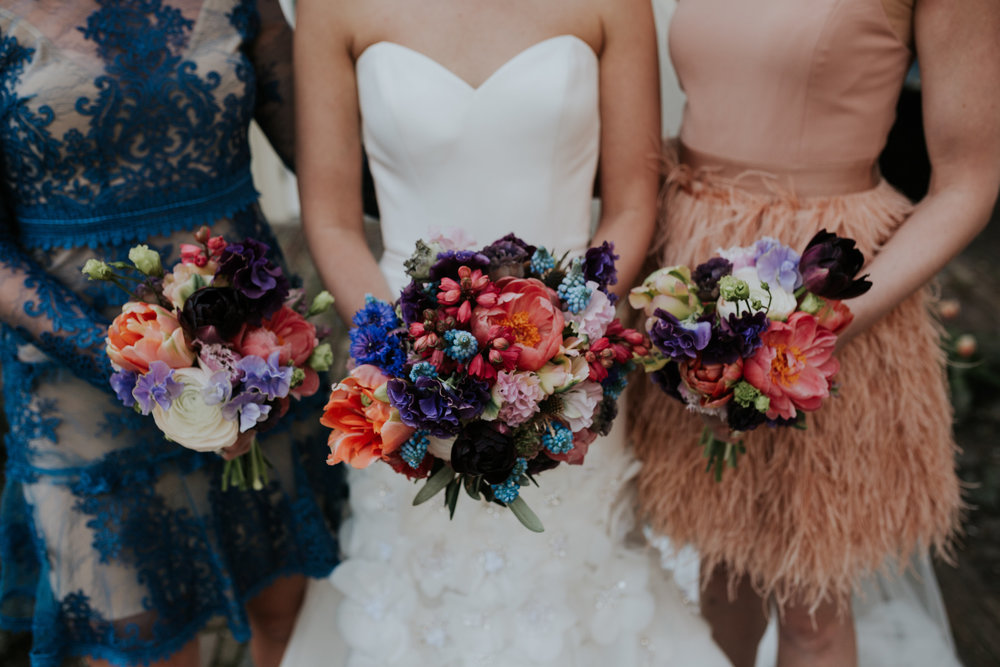 A.P Bloem florist bruidsboeket bride bridesmaids bouquet boeket bloemist evenement bloemen amsterdam luxury golden age guirlande garland florals pulitzer wedding bruiloft trouwen marriage styling liefde peonies poppies papaver goudeneeuw stilllife dutch
