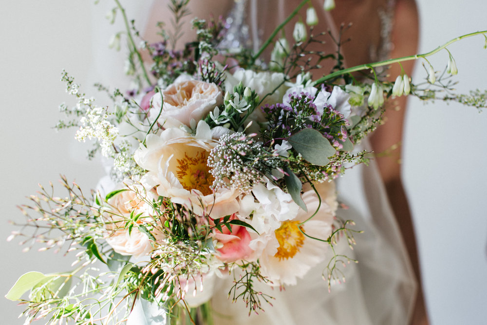 2136168e999  apbloem  florist  kerkstraat  amsterdam  bridalbouquet  flowers  bloemen   bloemist