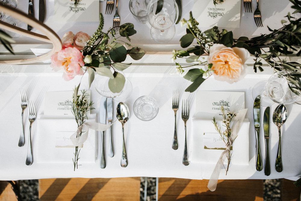 #apbloem #florist #kerkstraat #amsterdam #flowers #bloemen #bloemist #flowers #bouquet #boeket #arrangement #photoshoot #peony #bruiloft #trouwen #bloemenbezorgen #wedding #love #liefde #event #evenement #garden #tuin #bridalgown #blackandwhite #bruidsjurk #justmarried #bridalcouple #weddingflowers #weddingphotography #weddinginspiration #pastel #tafel #dining #styling #tablesetting