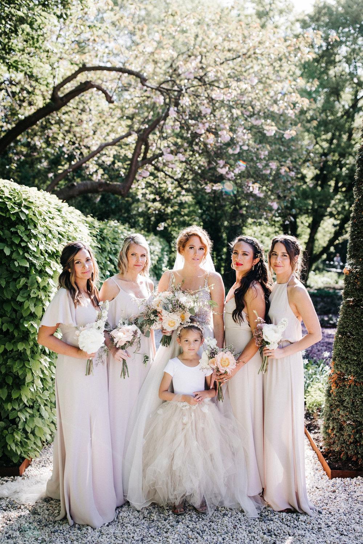 #apbloem #florist #kerkstraat #amsterdam #flowers #bloemen #bloemist #flowers #bouquet #boeket #arrangement #photoshoot #peony #bruiloft #trouwen #bloemenbezorgen #wedding #love #liefde #event #evenement #garden #tuin #bridalgown #blackandwhite #bruidsjurk #justmarried #bridalcouple #weddingflowers #weddingphotography #weddinginspiration #pastel #bridesmaids #blush #peach