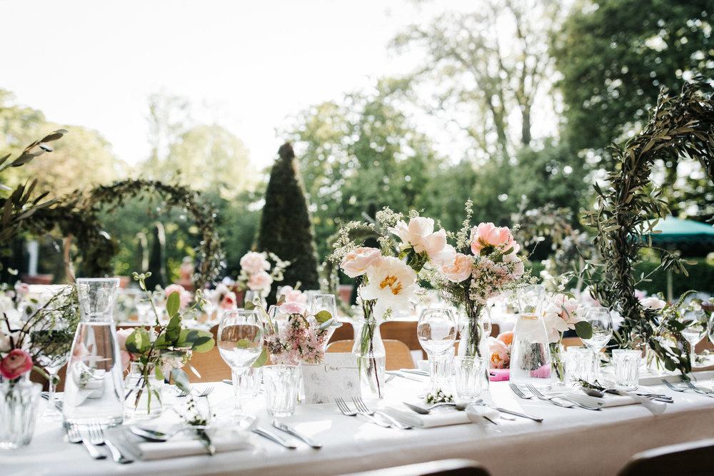 #apbloem #florist #kerkstraat #amsterdam #flowers #bloemen #bloemist #flowers #bouquet #boeket #arrangement #photoshoot #peony #bruiloft #trouwen #bloemenbezorgen #wedding #love #liefde #event #evenement #garden #tuin #bridalgown #blackandwhite #bruidsjurk #justmarried #bridalcouple #tafeldecoratie #weddingflowers #weddingphotography #weddinginspiration #pastel #peony #peonia #pioenrozen
