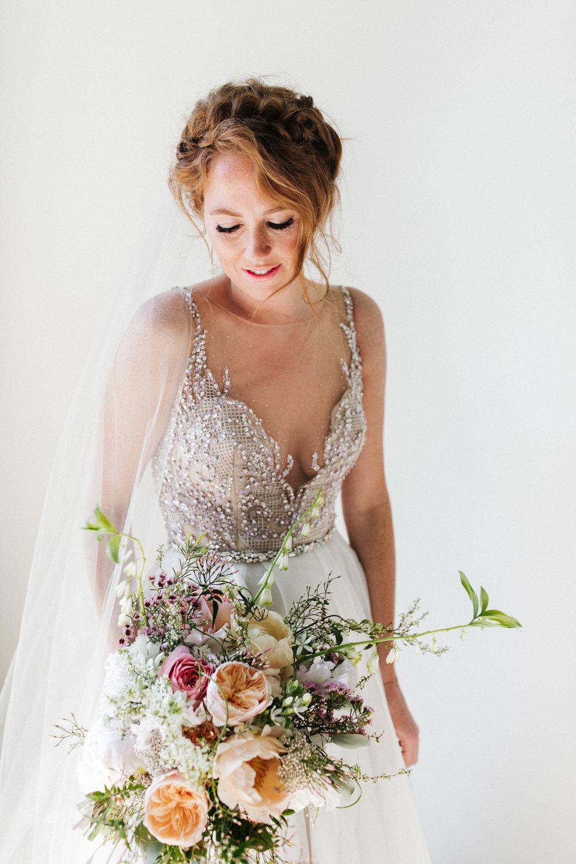 #apbloem #florist #kerkstraat #amsterdam #flowers #bloemen #bloemist #flowers #bruidsboeket #bouquet #boeket #arrangement #photoshoot #peony #bruiloft #trouwen #bloemenbezorgen #wedding #love #liefde #event #evenement #garden #tuin #bridalgown #blackandwhite #bruidsjurk #justmarried #bridalcouple #weddingflowers #weddingphotography #weddinginspiration #pastel