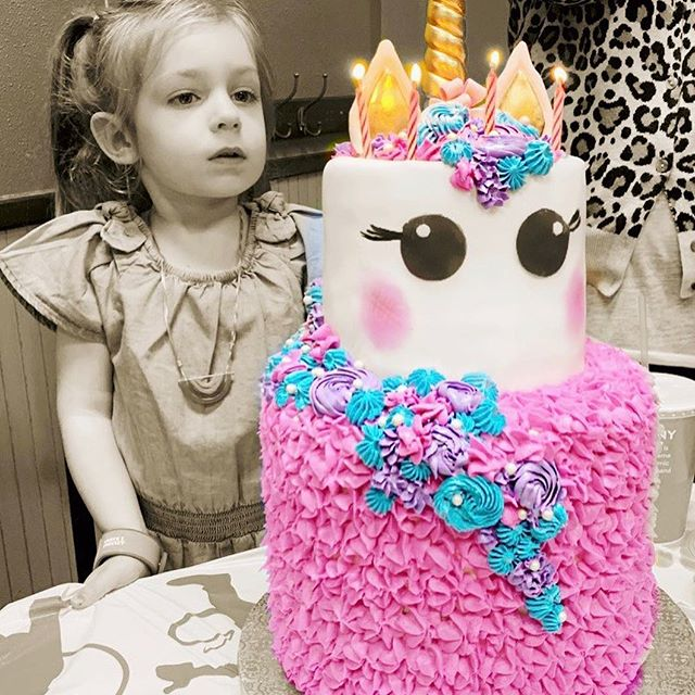 She's 4. How is this happening? Happy birthday Joni! Thank you for making me a mom. We're grateful for you every day. You are so full of joy and life and all the wonderful things. We are so grateful for the village of people that surround and support us. Our cup's runneth over🌈. 🎂 by the incredible @apieceofmahlers • • • #jonikay #happybirthday #4yearsold #family #friends #love