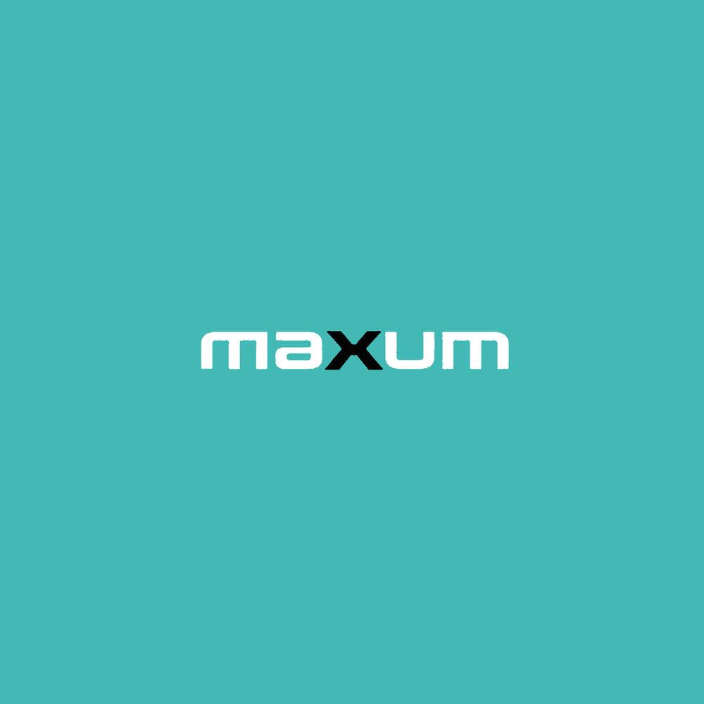 Maxum.jpg