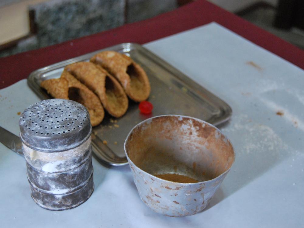 Preparazione dei dolci tipici