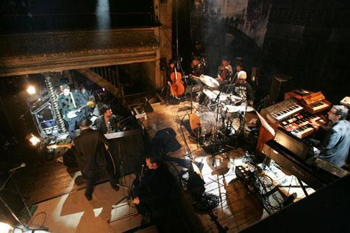 Playing saw with The Good The Bad and The Queen, Wilton's Music Hall, December 2006