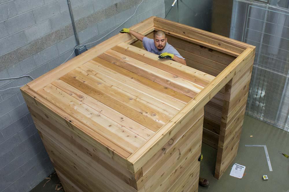Modular-Sauna-Construction-Scandia-Manufacturing-Ceiling-Assemble.jpg