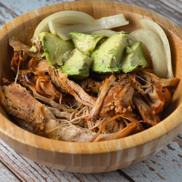 Eating in tonight? Pull out your slow cooker and make these simple & lean Pork Carnitas! Recipe linked in our bio #recipe #healthydinner #crockpot