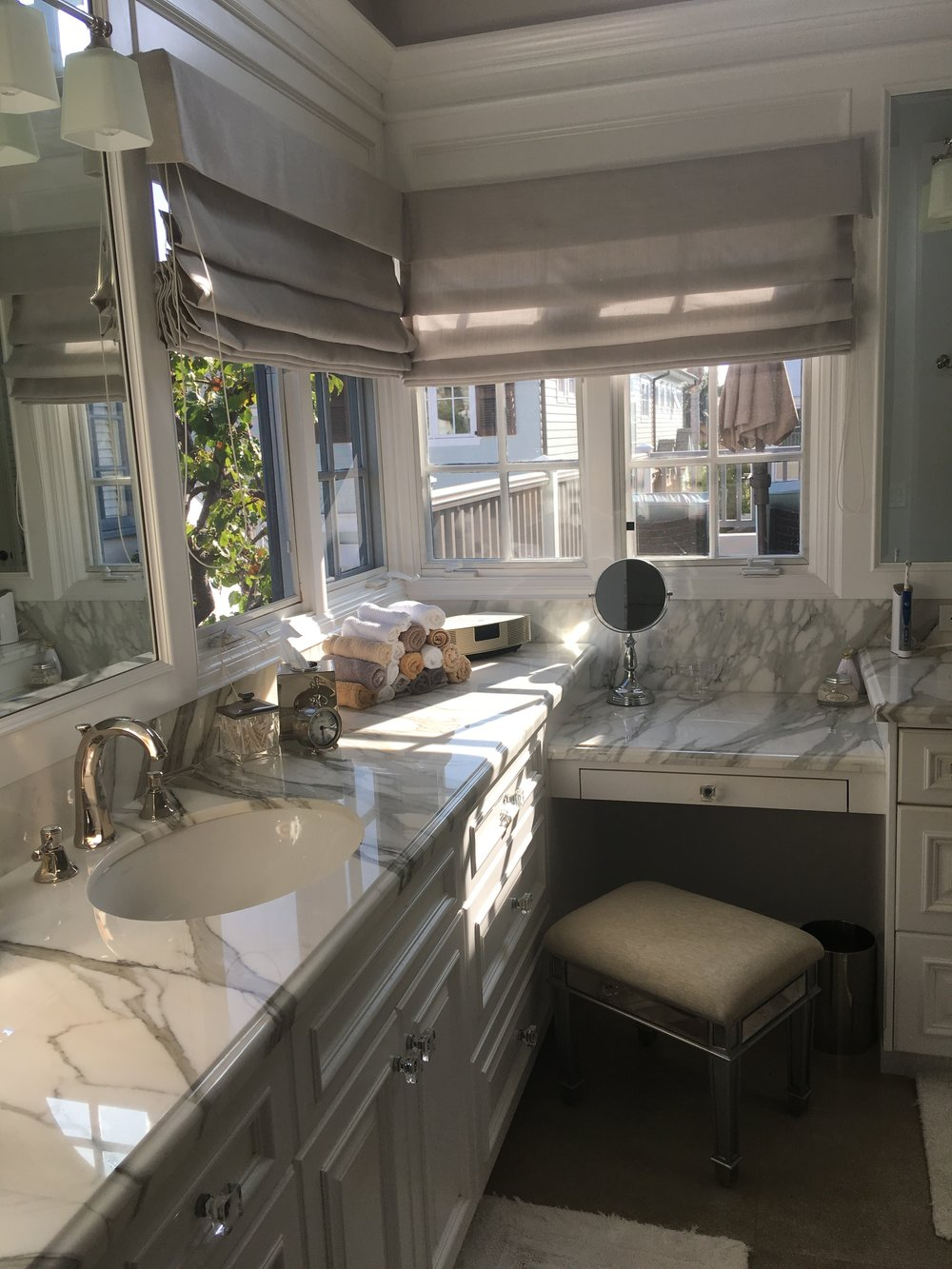 bayshores bathroom counter