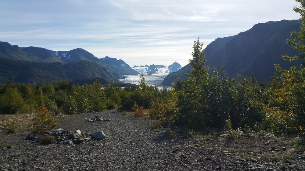 Hike into the glacial lake