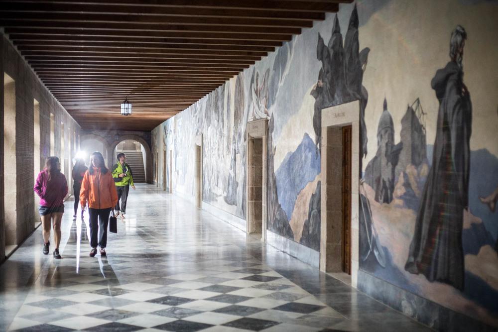 """El equipo  """"Ondiñas"""" en el Monasterio de  Samos"""