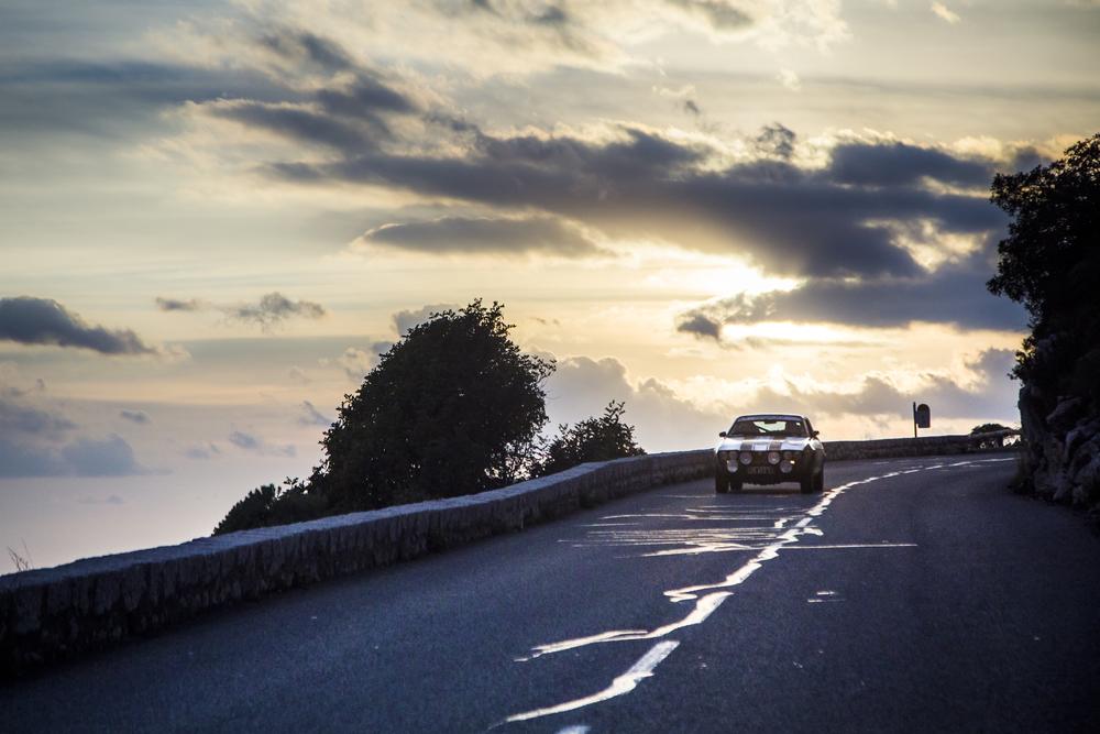 Anocheciendo con el Rally Histórico de Monte-Carlo
