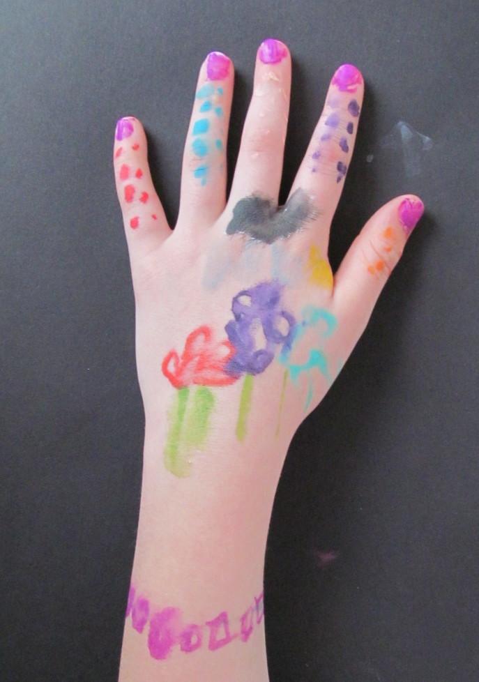 hand emily l.jpg