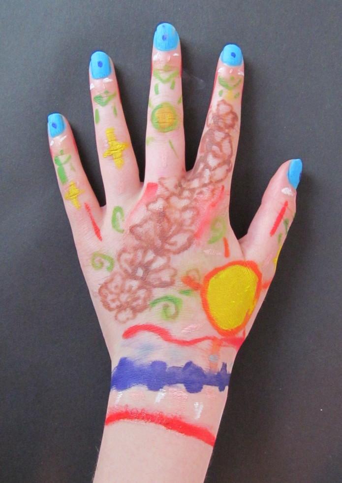 hand laurel.jpg