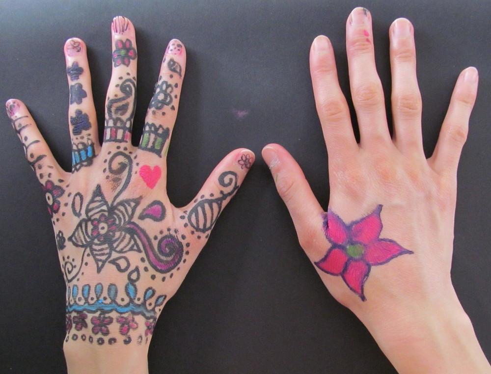 hand miki.jpg