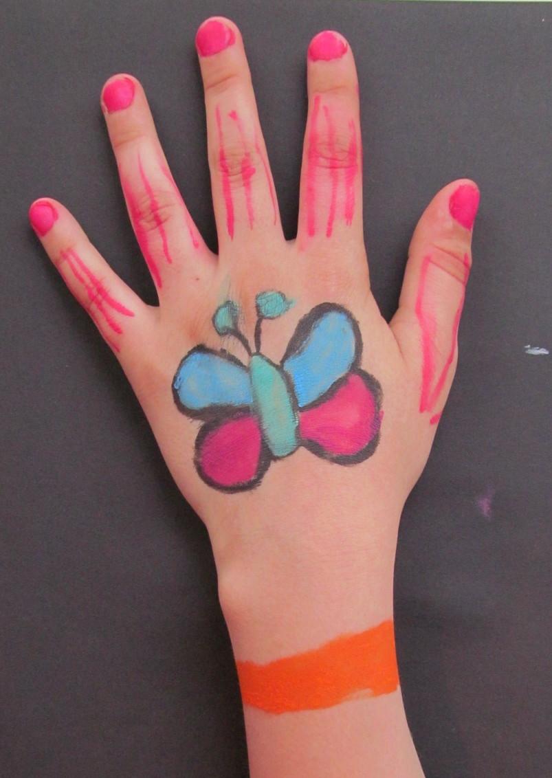 hand patricia.jpg