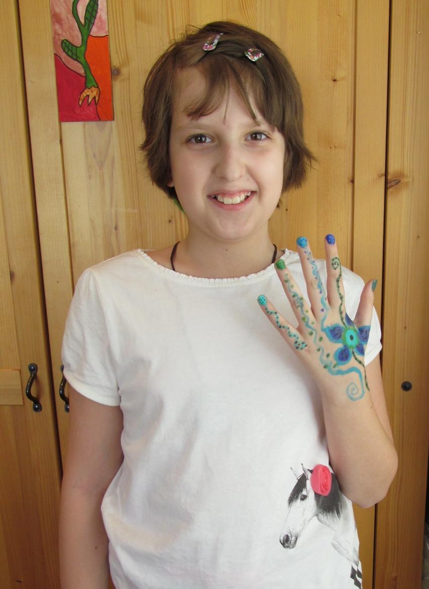 hand sabina s.jpg