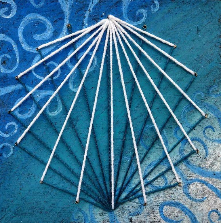 string art dominika.jpg