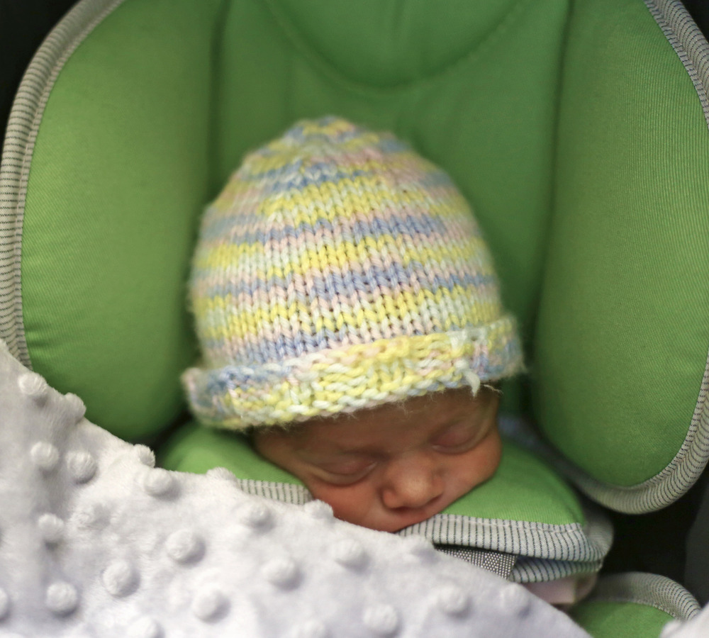 margot-sleeping-in-car-seat2