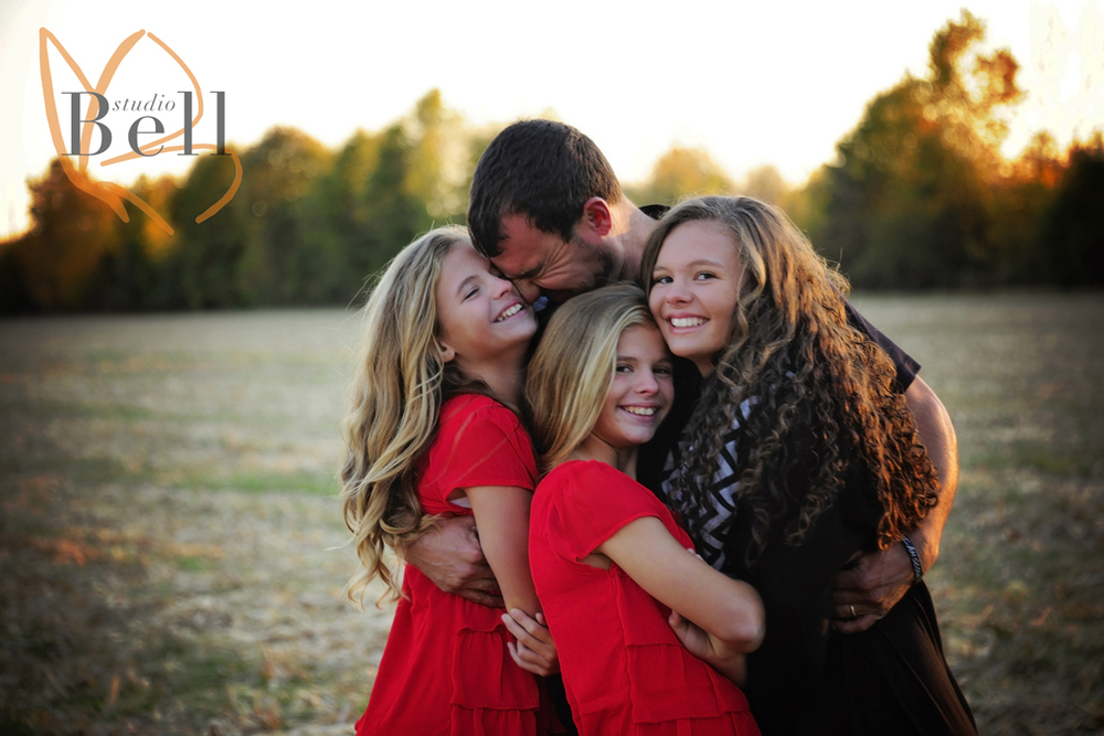 A dad and his girls... there are just no words :)