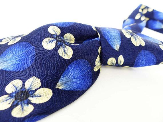 Textured Silk Floral necktie byNordstrom