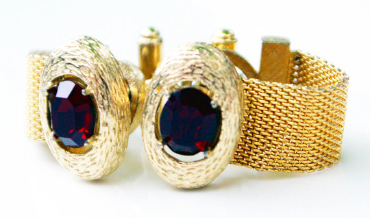 Sexy ruby red Rivoli gold wrap mesh cufflinks, beautiful condition, amazing color!  Deep Rich Red. Timeless & classic style. The highest quality vintage selection on line. Special packaging is available.