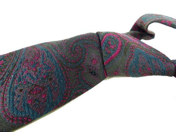 Hand sewn by Robert Talbott for Nordstrom. Thick woven silk tie