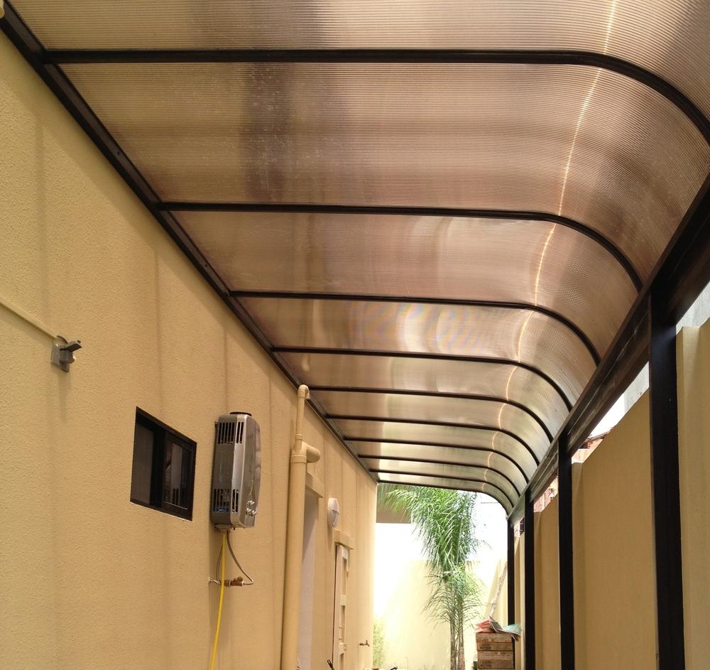 corredor estilo curvo techos toldas ecuador