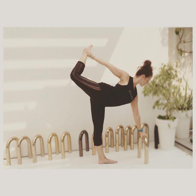 Stretch, baby stretch. #bestubarre #bestustudio #Ubarre