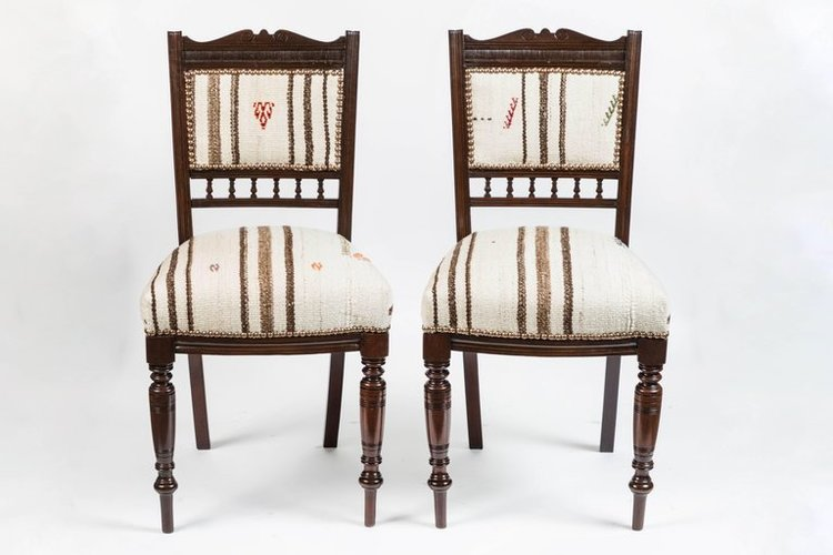 Antique Dining Chairs >> Set Of 6 Vintage Dining Chairs In Turkish Rug Maude Woods
