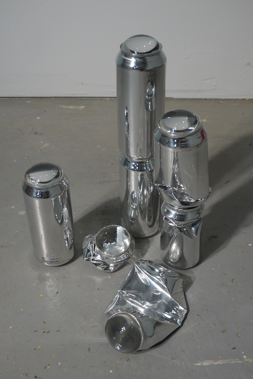 Lungs, 2010, dimensions variable, high polished beer cans, projector lenses