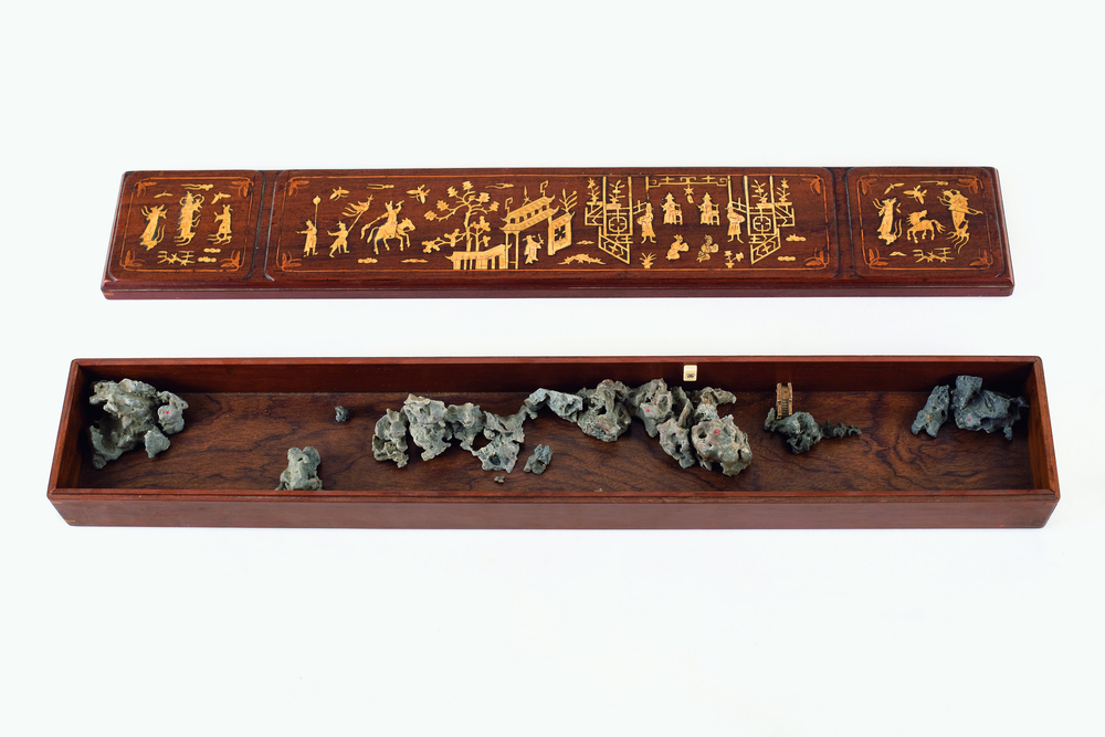 Ni Youyu 倪有鱼, Xishan Case 西山卷, 2009, Mixed media 综合材料, 76.8 x 12.5 x 7.6 cm