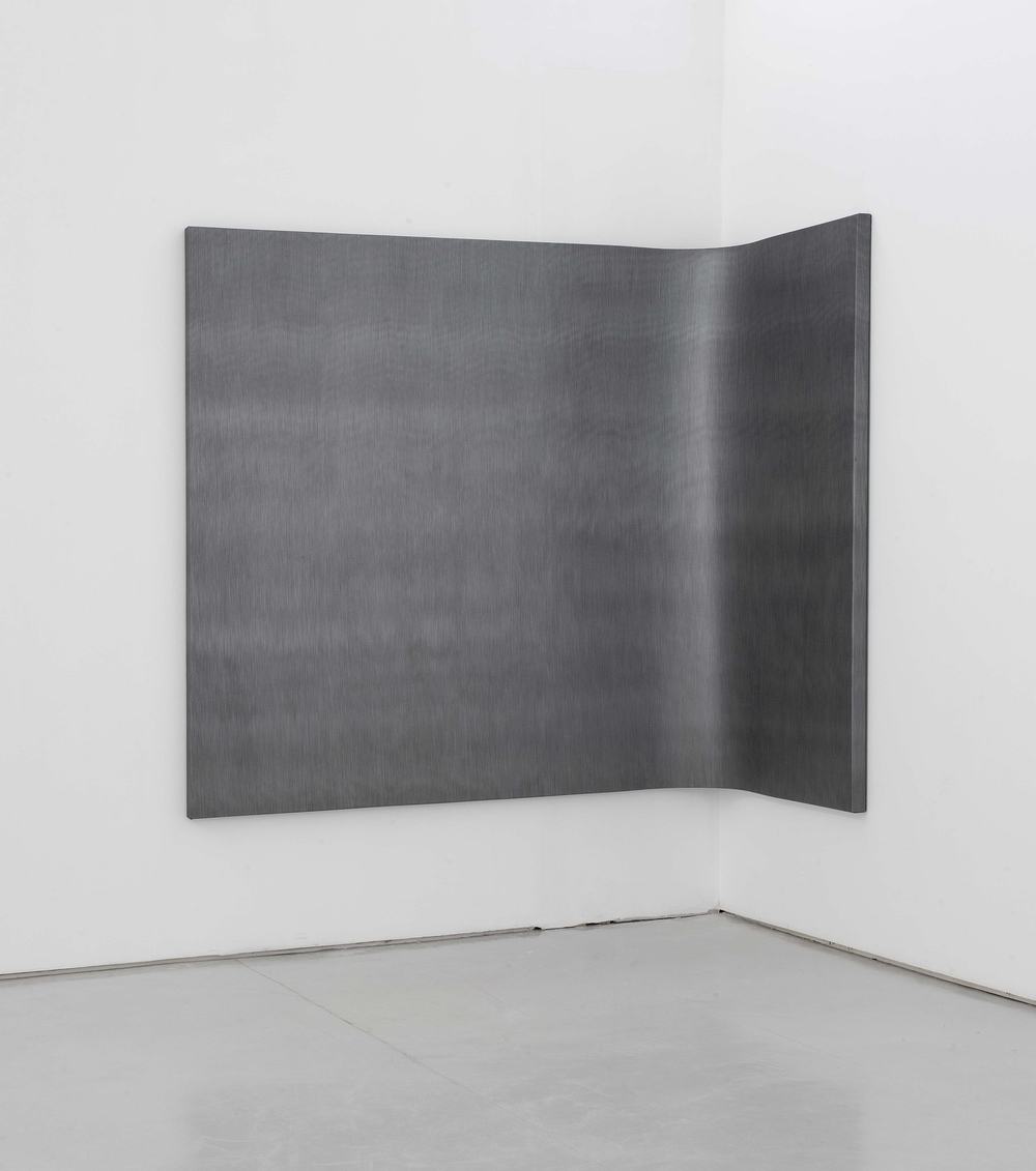 Liu Wentao 刘文涛, Untitled 无题, 2011, Pencil drawing on canvas 布面铅笔素描, 200 x 300 cm