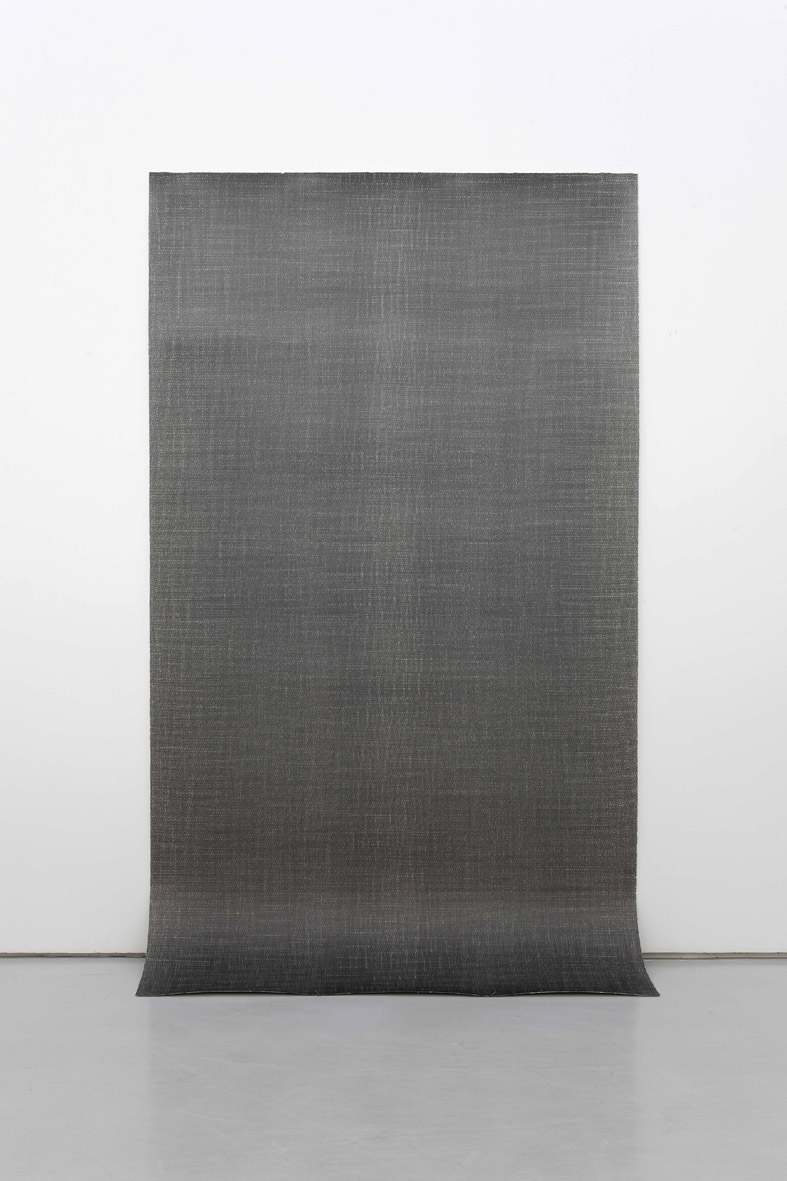 Liu Wentao 刘文涛, Untitled 无题, 2011, Pencil drawing on canvas 布面铅笔素描, 280 x 150 cm