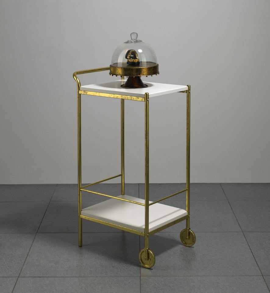Wu Di 吴笛, You Sister 你妹, 2013, Plaster teeth mold, metal cake tray, dinning car and gold foil 牙齿石膏模具, 金属蛋糕托盘, 餐车与金箔, 8 x 8 x7 cm + 32 x 26 x 26 cm + 90 x 43 x 38 cm