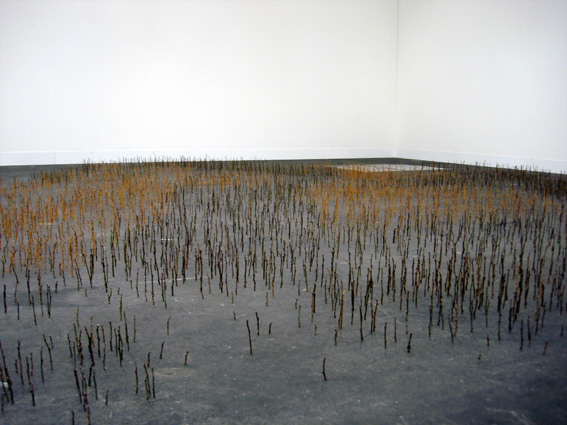 Yang Xinguang 杨心广, Treetop 树梢, 2010, Wood 木, Dimension variable 尺寸可变