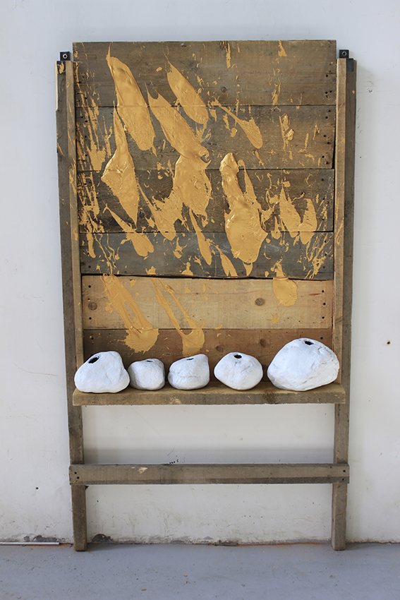 Yang Xinguang 杨心广, Untitled 无题, 2013, Acrylic, wood and fiber glass 丙烯颜料、木、玻璃钢, 160 x 80 x 30 cm