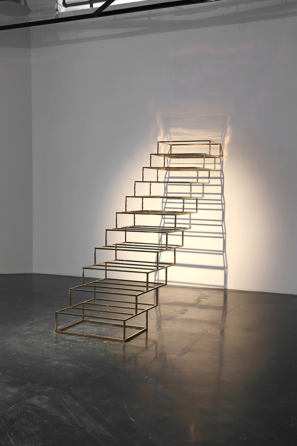 Gao Weigang 高伟刚, YES!, 2013, Stainless steel and titanium 不锈钢、钛金, 235 x 300 x 75 cm