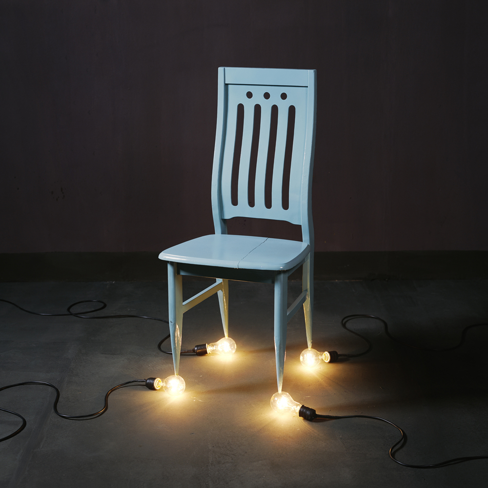 Chen Wei 陈维, A Chair and Four 100 Watt Bulbs, 2010, Archival inkjet print 收藏级艺术微喷, 100 x 100 cm