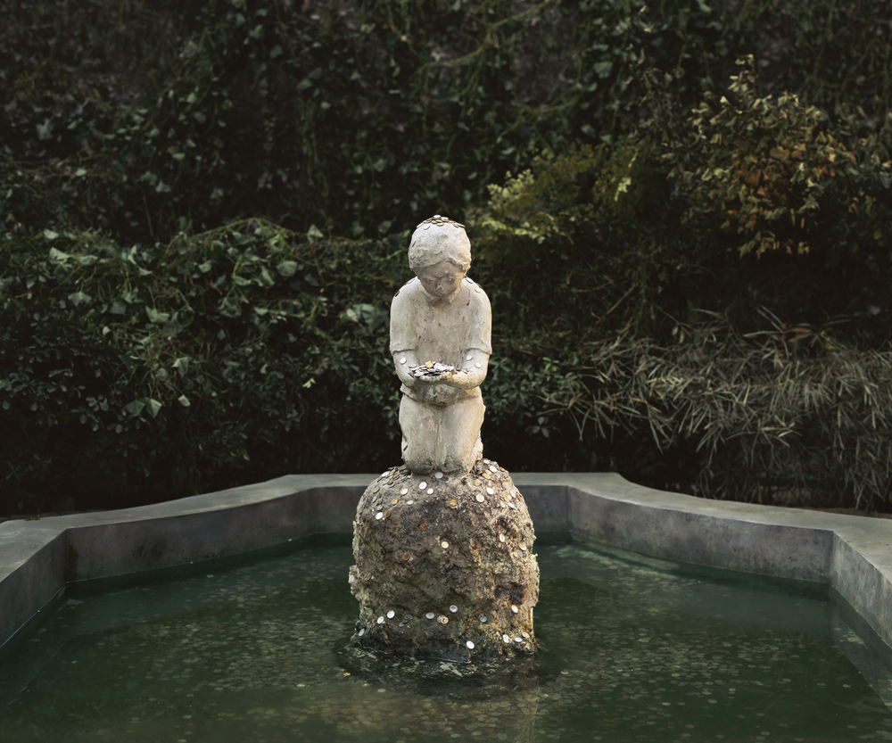 Chen Wei 陈维, A Boy in the Fountain Basin, 2012, Archival inkjet print 收藏级艺术微喷, 150 x 180 cm