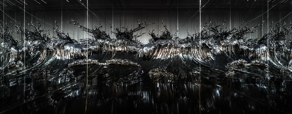 Zheng Lu 郑路, Shiosai 超骚, 2015, Stainless steel and lacquer 不锈钢 、漆, 384 x 200 x 220 cm