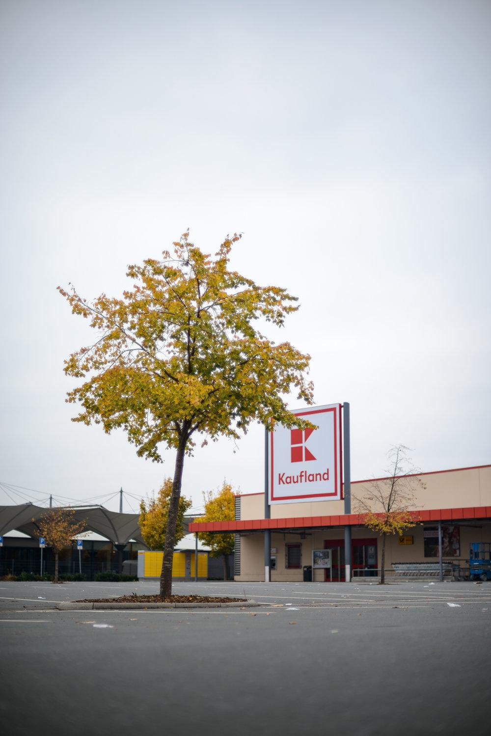 Supermarkt-Parkplatz_Kaufland_20181104_0004_2500px.jpg